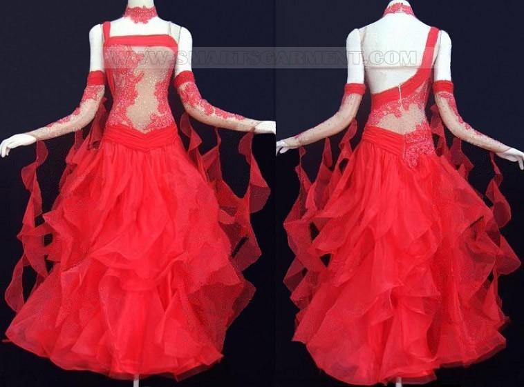 Standarty šaty,SATY NA PRODEJ