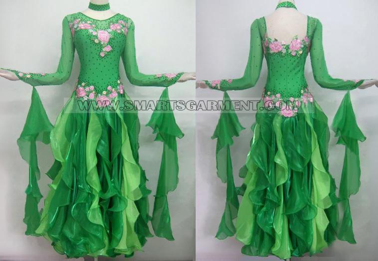 Dlouhé Standarty šaty,krásne Latinky šaty
