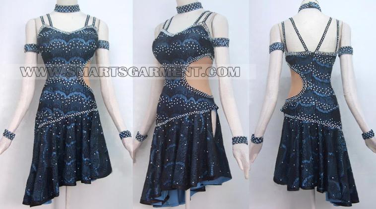 women Mambo apparel