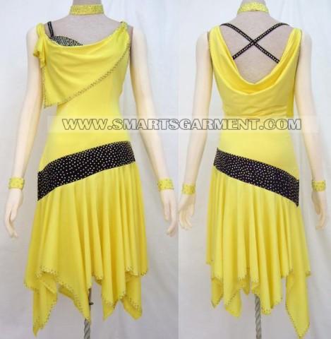 long Mambo apparel