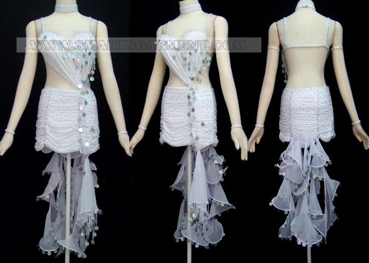 Salsa clothes producer