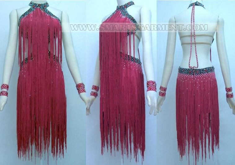 Swing apparel maker
