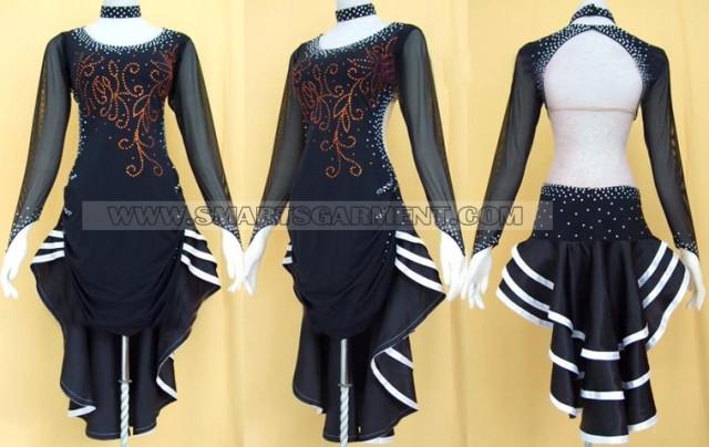Tango clothing maker