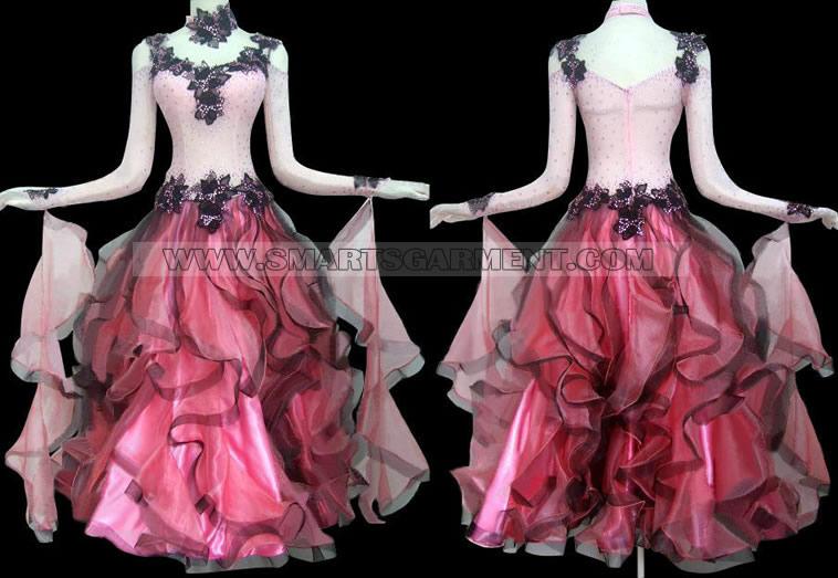 Sukienki do łaciny,Suknia do standardu tańca towarzyskiego