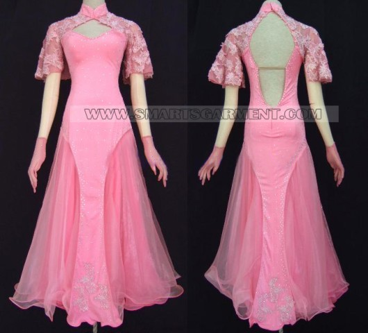 Пошив платьев и костюмов