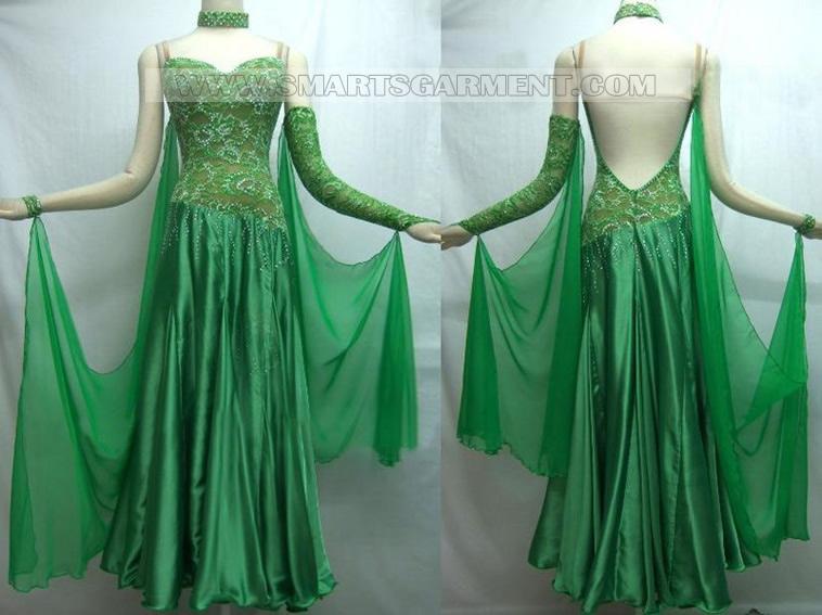 Пошив платьев и костюмов для спортивных бальных танцев,Платье для латины.
